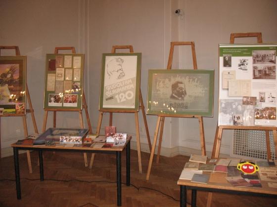 Ciemos Rīgas Latviešu biedrības namā. Latvijas Nacionālās bibliotēkas izstāde