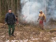 15. aprīlis - mežmalā pretim stāvlaukumam tie izzāģēti sausie un kritušie koki