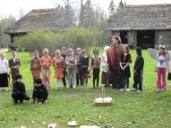 """Pasaka """"Velniņi"""", Ērgļu vidusskolas 1. kl. M.Ostrovskas vadībā, 2007. gads"""